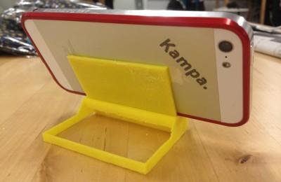 CubeでプリントしたiPhoneスタンド