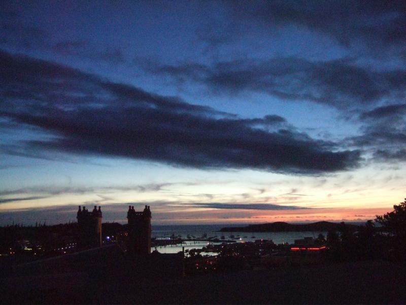 ユースホステル・ヌメアからの夕景